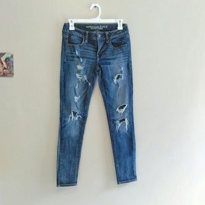 American Eagle Distressed Skinny Jeans!!